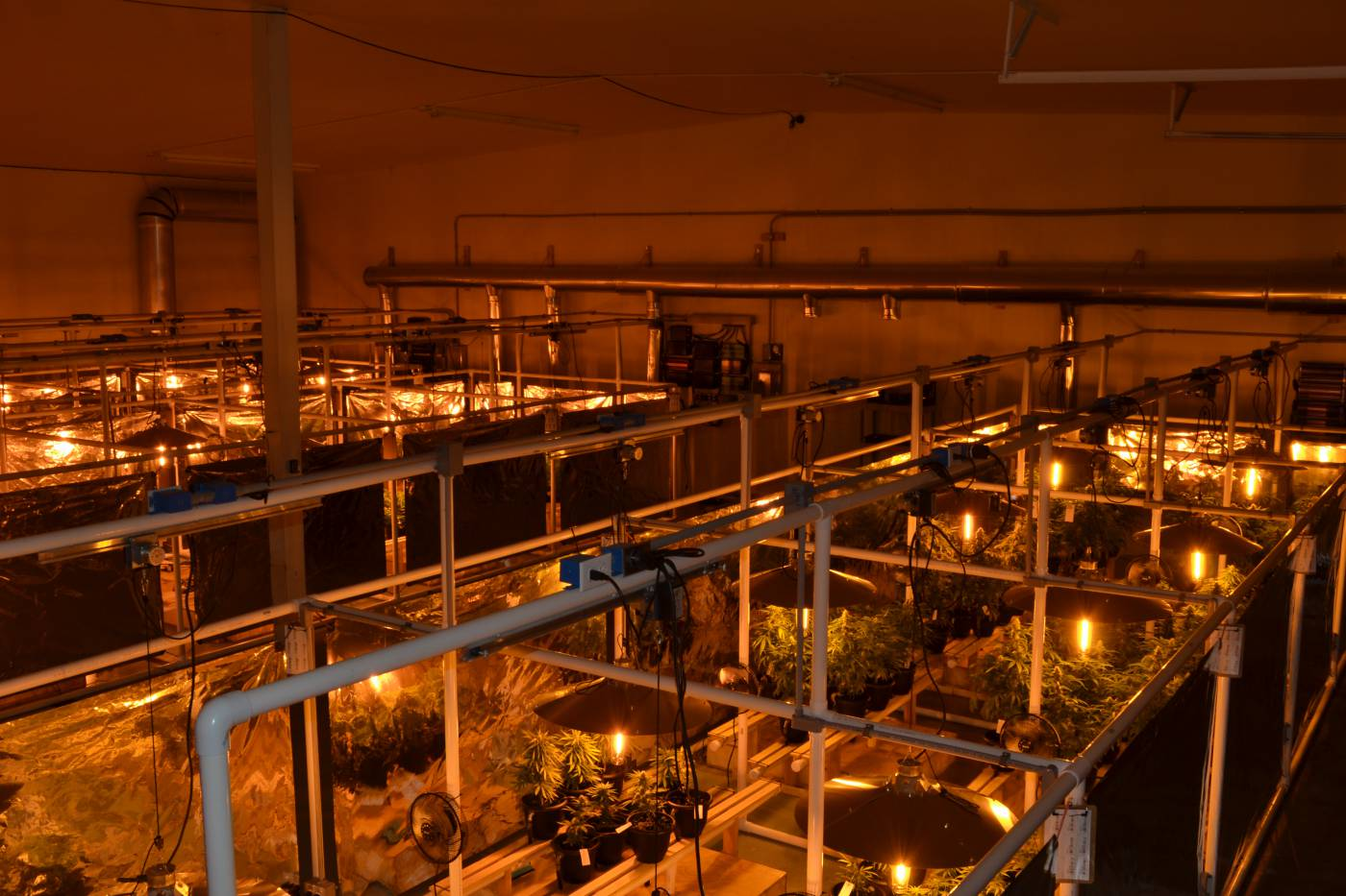 Light mover space planning allows 30% more indoor grow system space to be covered